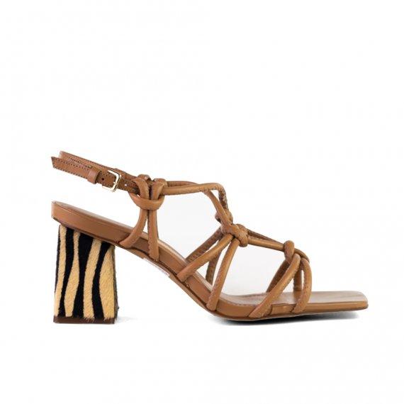 Sandália em Couro com Pelo Salto Alto Tan Zebra