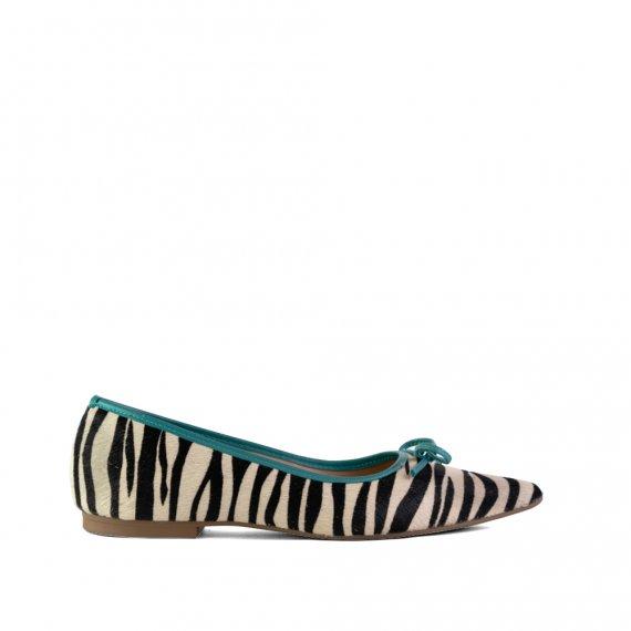 Sapatilha em Couro Pelo Zebra/Turquesa