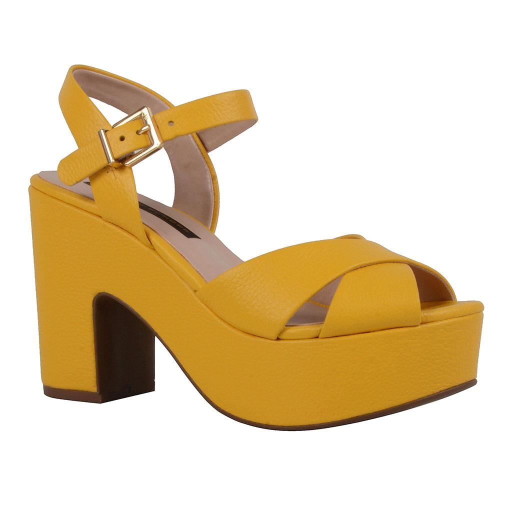 Sandália plataforma amarela