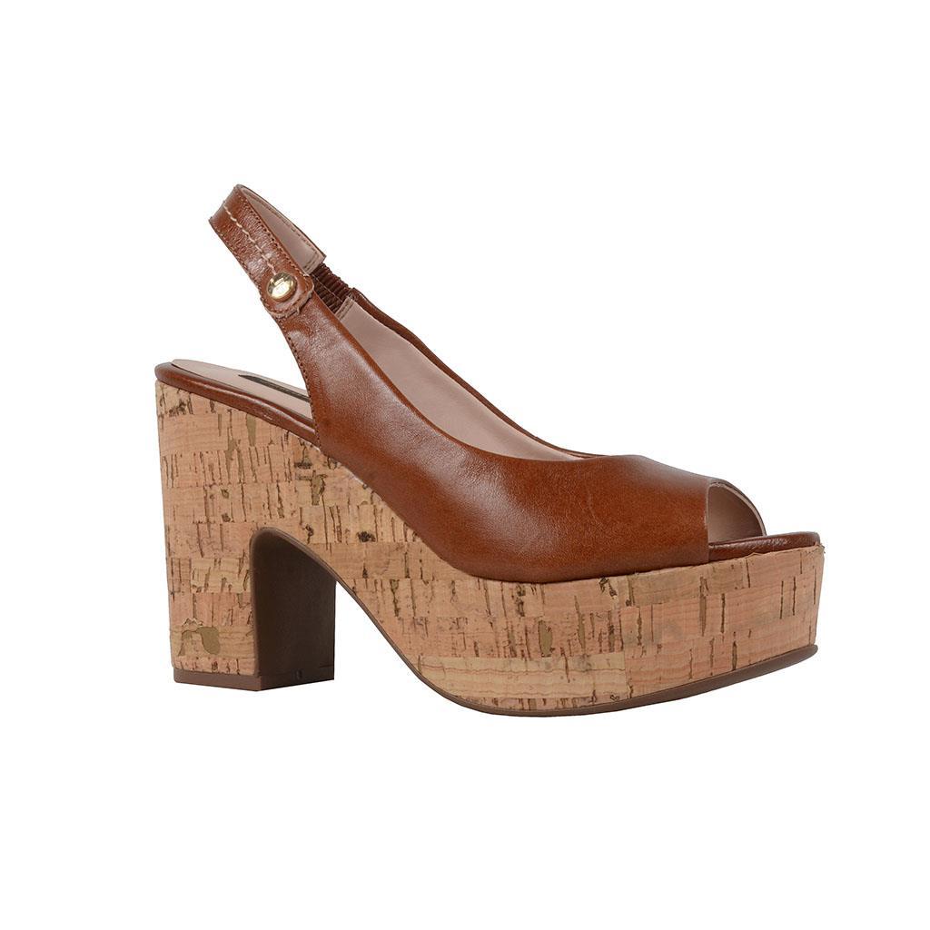 Sandália plataforma caramelo