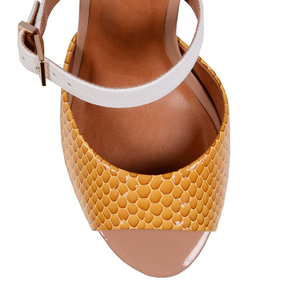 fcc1f1b37 Sandália amarelo açafrão V18 - Jorge Bischoff Sapatos, bolsas e ...