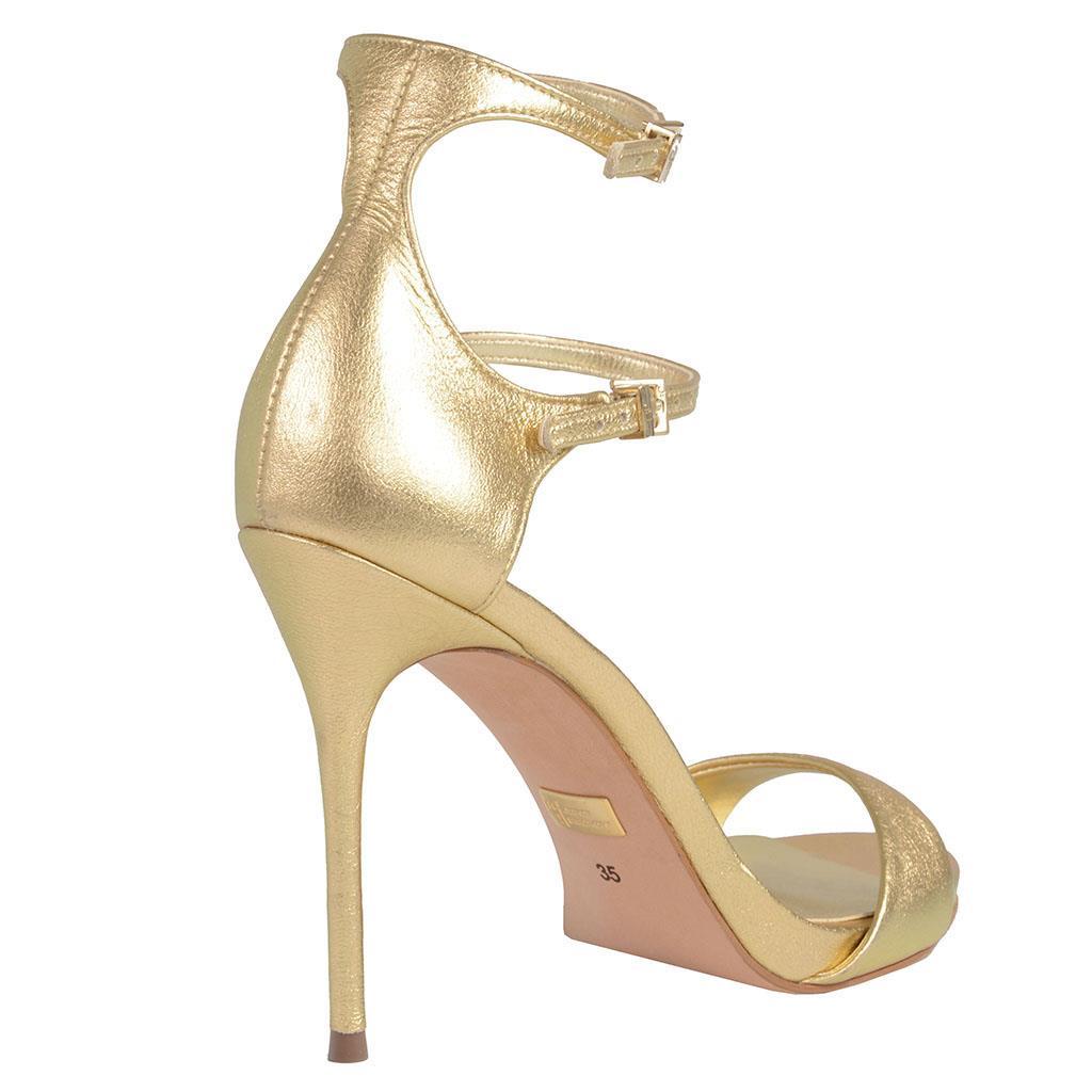 Sandália dourada 3