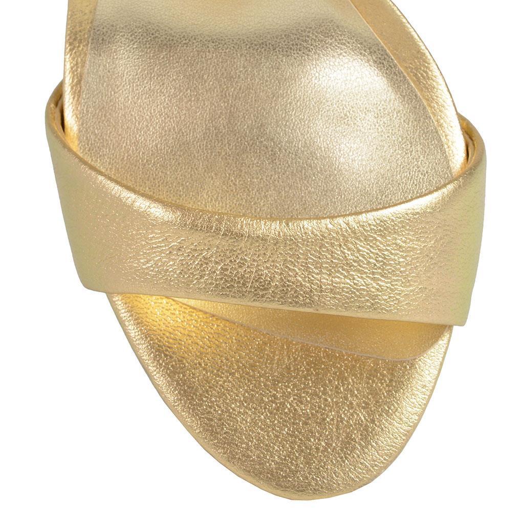 Sandália dourada 4