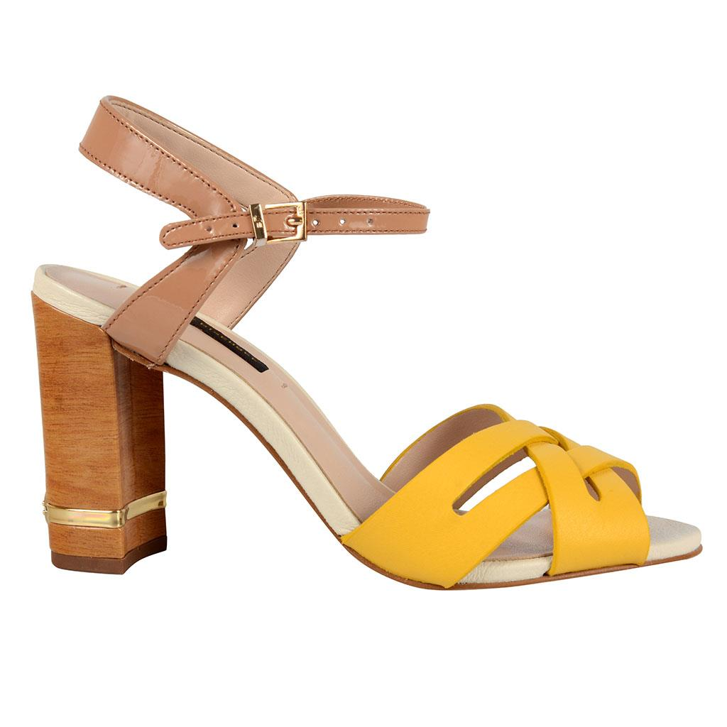 Sandália amarela 2
