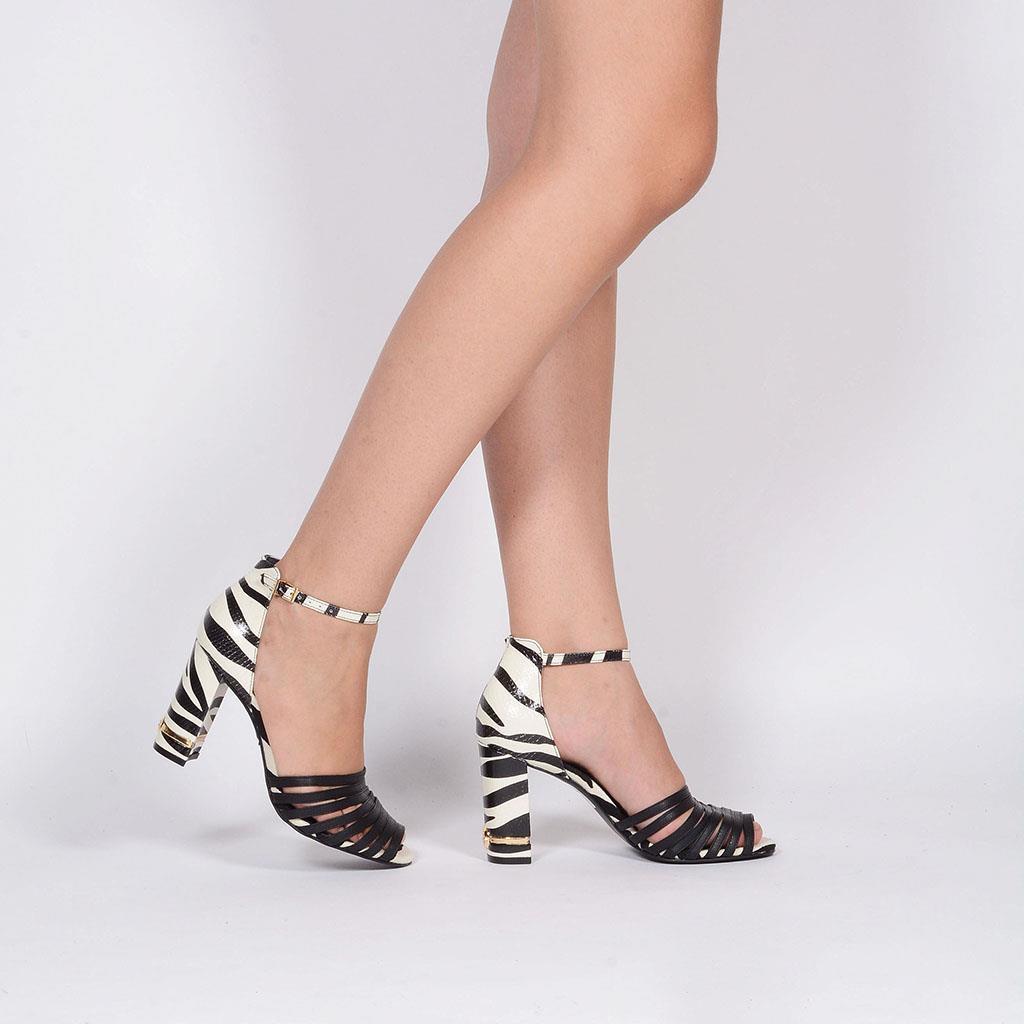 Sandália Zebra P&B I19 6