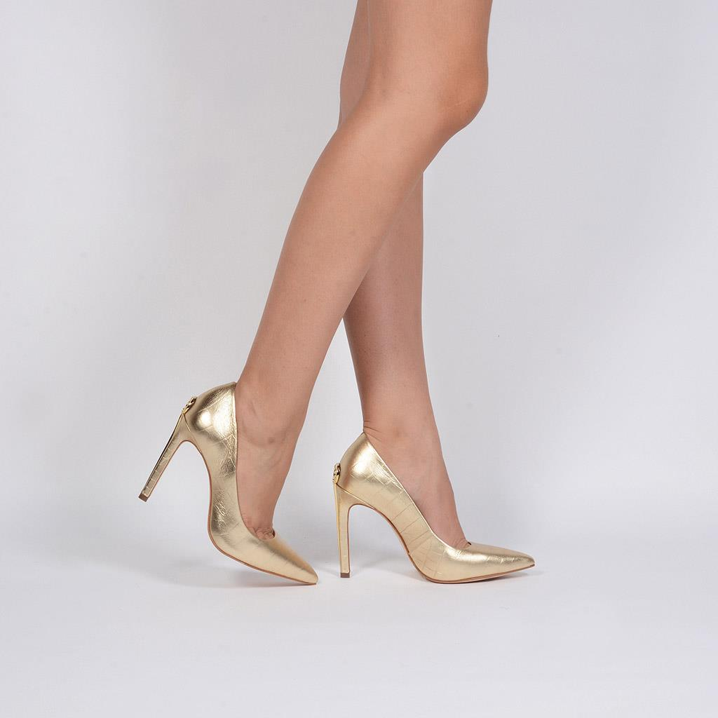 Scarpin Bico Fino Couro Metalizado Ouro V20 3
