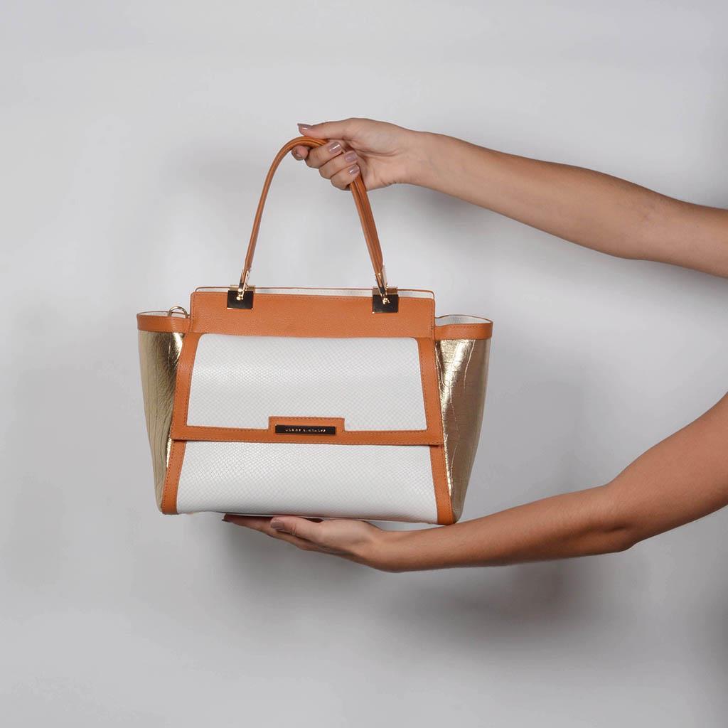 Bolsa Estruturada Couro com Bag Charm V20 6
