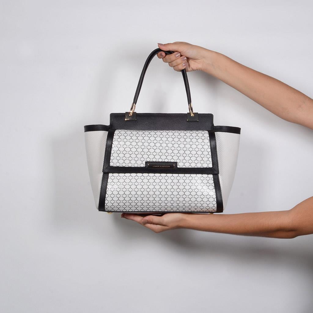Bolsa Estruturada Couro P&B com Bag Charm V20 6