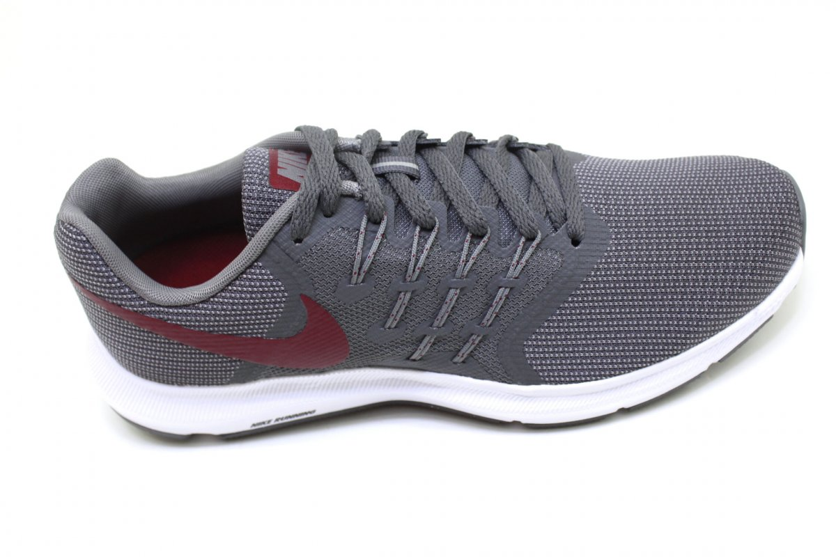 f04e9c7e4be Tênis Masculino Nike Run Swift