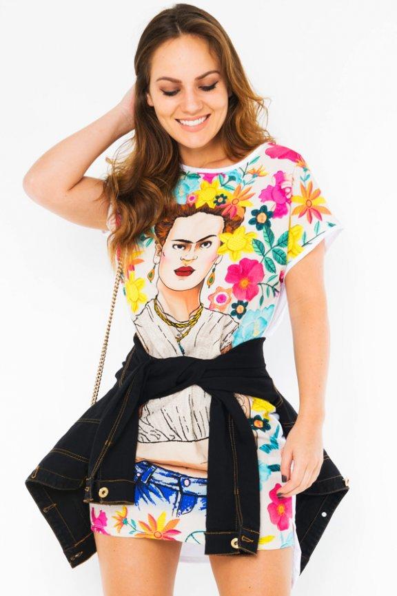 Vestido Camisetão Estampa Frida Kahlo