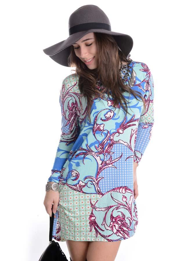 Vestido com Detalhe em Courino