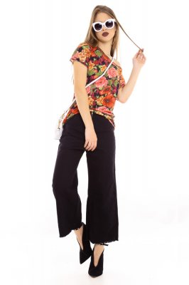 Imagem - Blusa Floral com Abertura nas Costas