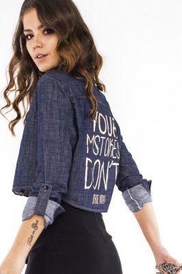 Imagem - Camisete Cropped Jeans com Lettering