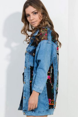 Imagem - Jaqueta Jeans Oversized Com Recortes em Renda
