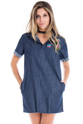 Imagem - Vestido Camiseta com Patches