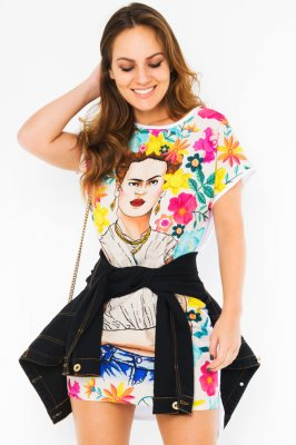 Imagem - T-shirt Dress Estampa Frida Kahlo