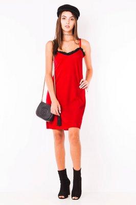 Imagem - Vestido Veludo com Renda no Decote