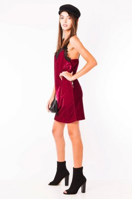 Imagem - Vestido Velvet de Alça com Guipir
