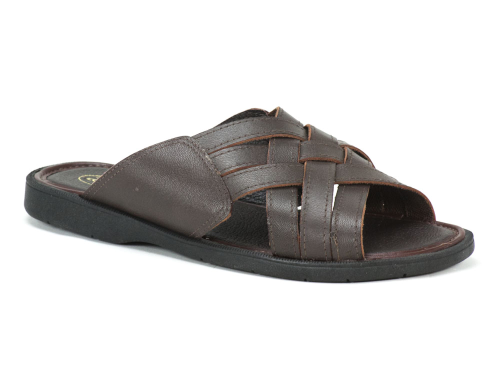 Chinelo Courope
