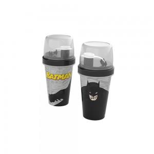Imagem do produto - Mini Shakeira de Plástico 320 ml com Misturador, Fechamento Rosca e Sobretampa Articulável Batman
