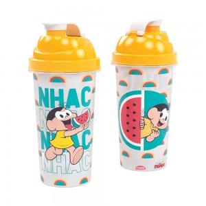 Imagem do produto - Shakeira de Plástico 580 ml com Tampa Rosca e Misturador Magali