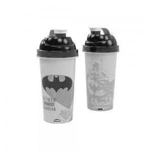 Imagem do produto - Shakeira de Plástico 580 ml com Tampa Rosca e Misturador Batman
