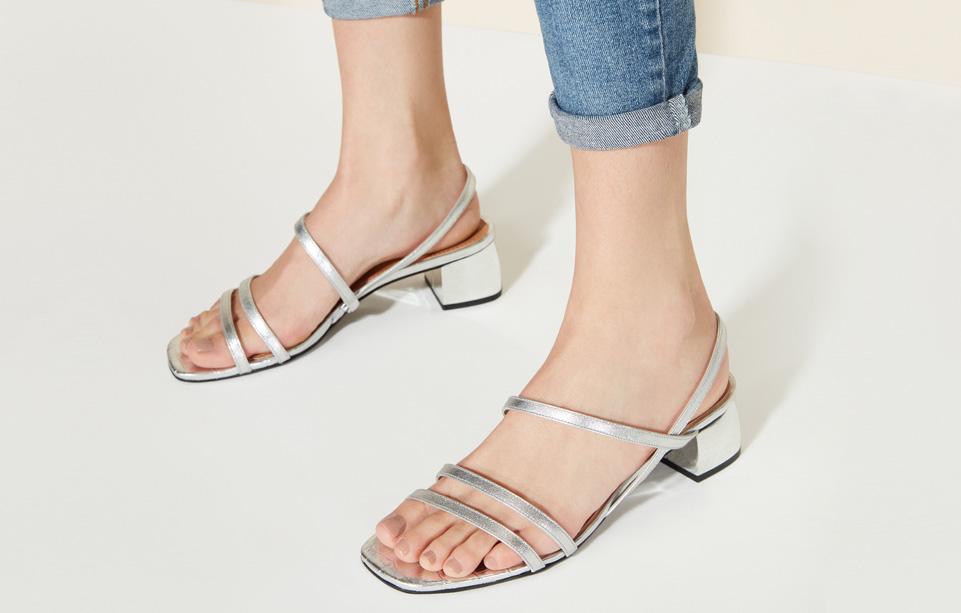Imagem - Naked Sandal: a clássica sandália dos anos 90 é protagonista do verão