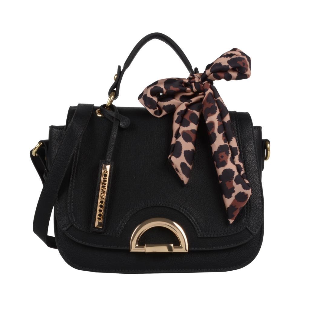 Bolsa preta com lenço onça