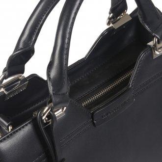 Bolsa Preta com Bag Charm  6