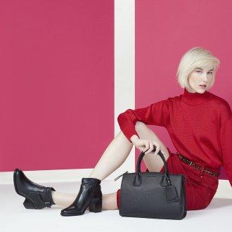 Bolsa Preta com Bag Charm V20 5