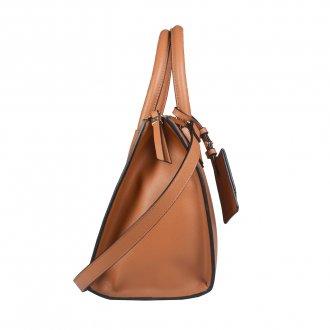 Bolsa Caramelo com Bag Charm V20 3