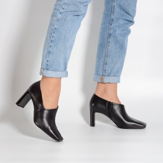 Ankle Boot Preta Com Recorte I21 2