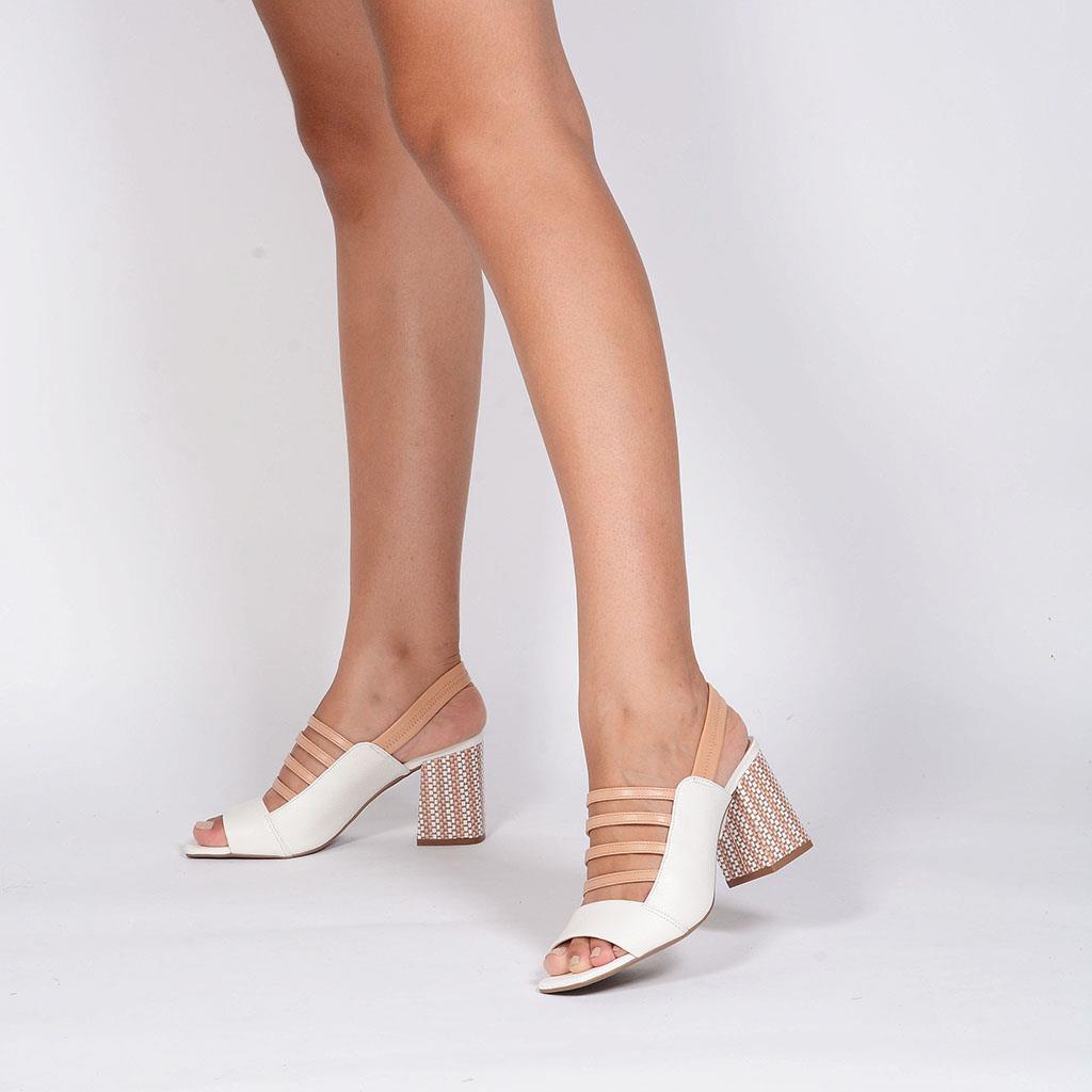 Sandália branca com tiras I19                 6