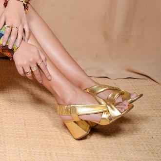 Sandália Dourada com Tiras Maleáveis V21 4