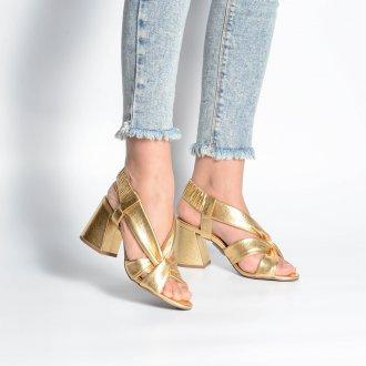 Sandália Dourada com Tiras Maleáveis V21 2