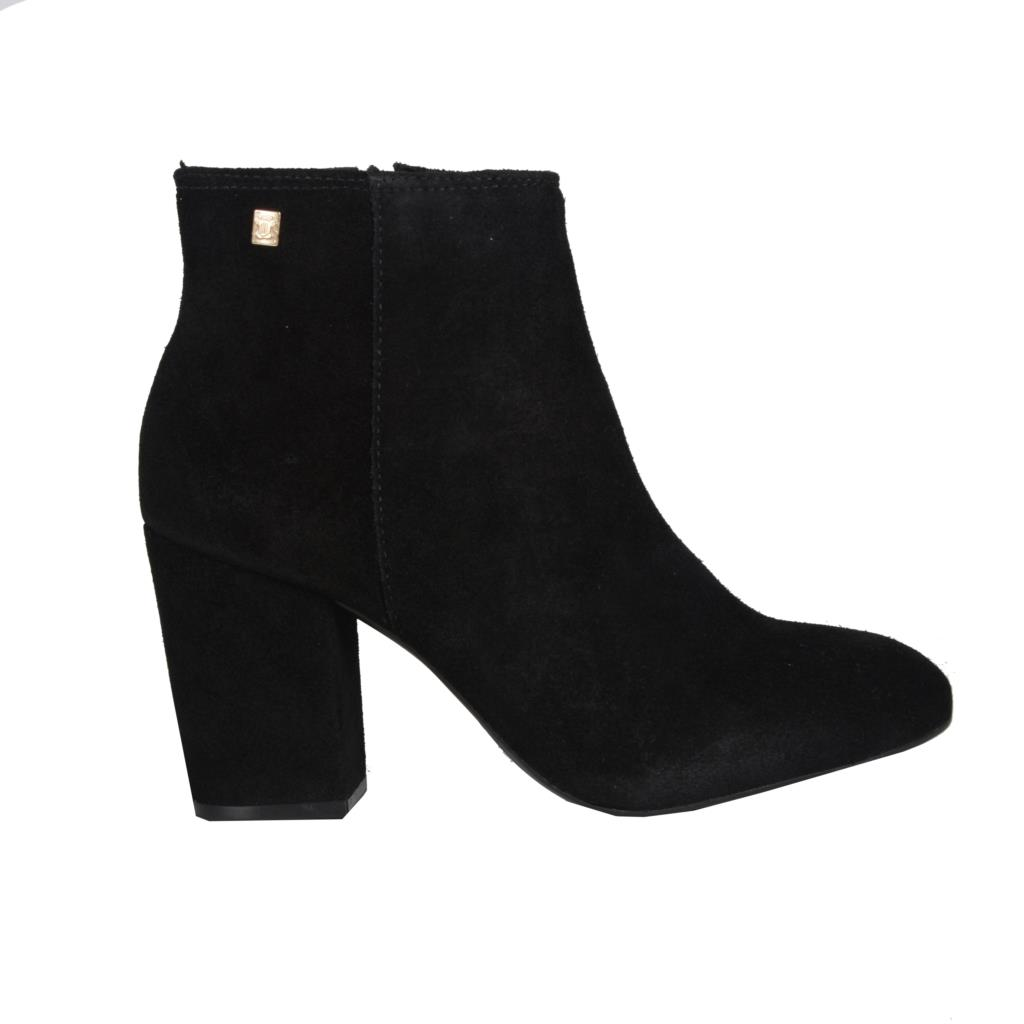 Ankle boot  2