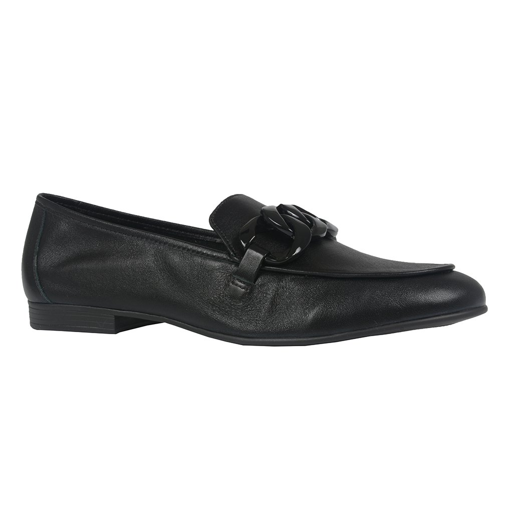 Loafer Couro Preto Detalhe Corrente V21