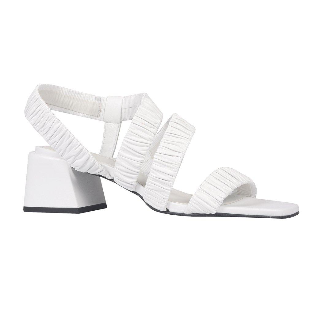 Sandália Branca com Tiras Maleáveis I21