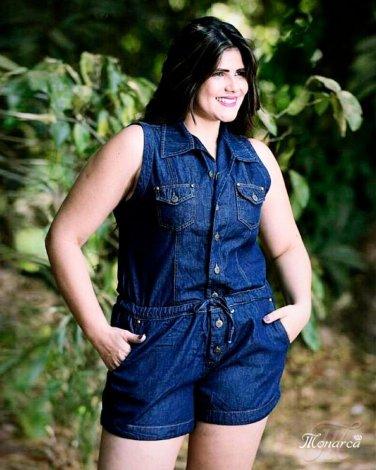 Macaquinho Jeans com Amarração na Cintura