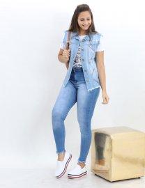 Imagem - Colete Jeans Feminino com Apliques