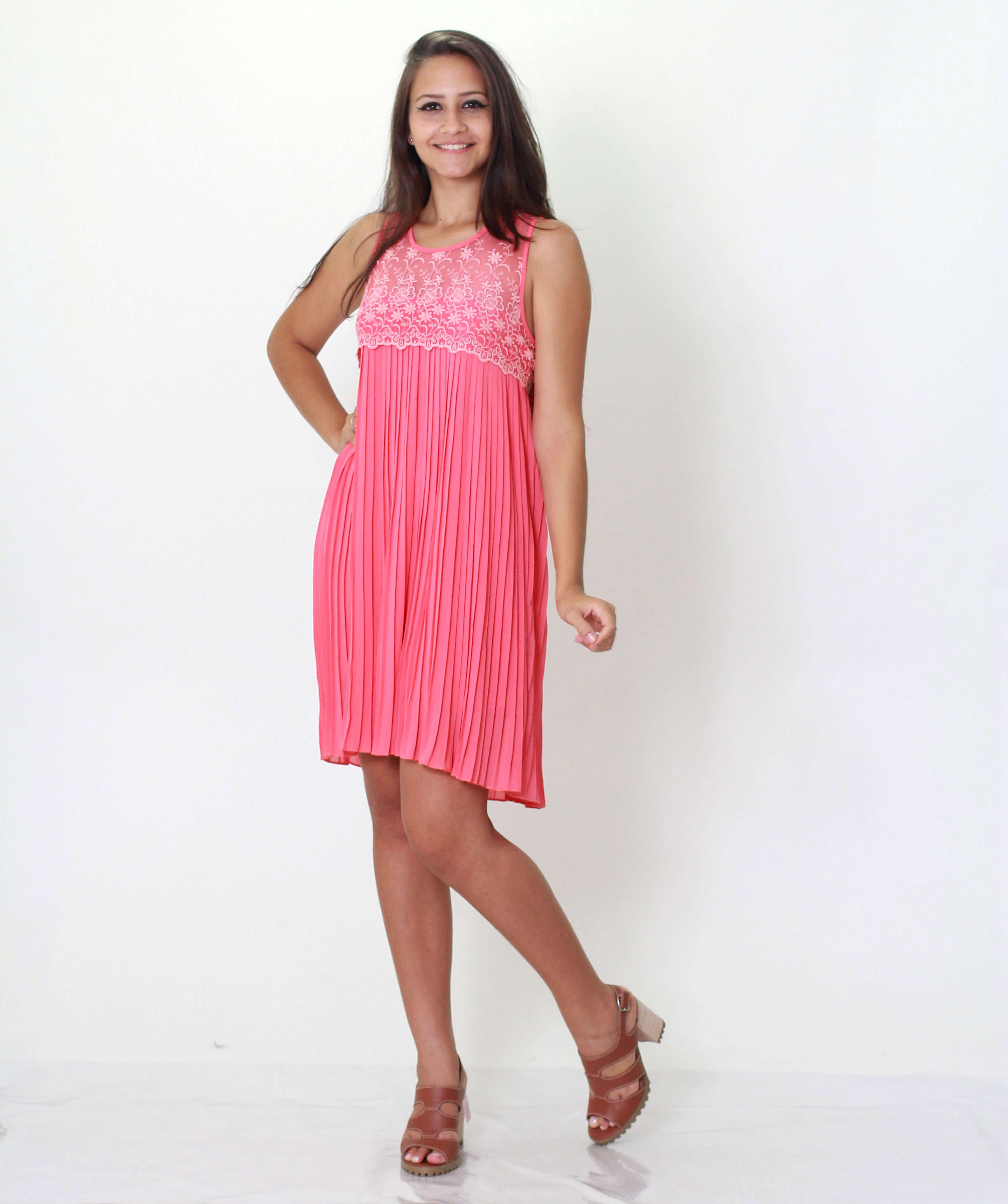 Imagem - Vestido Sampa Crepe Seda Plissado com Detalhes Tule