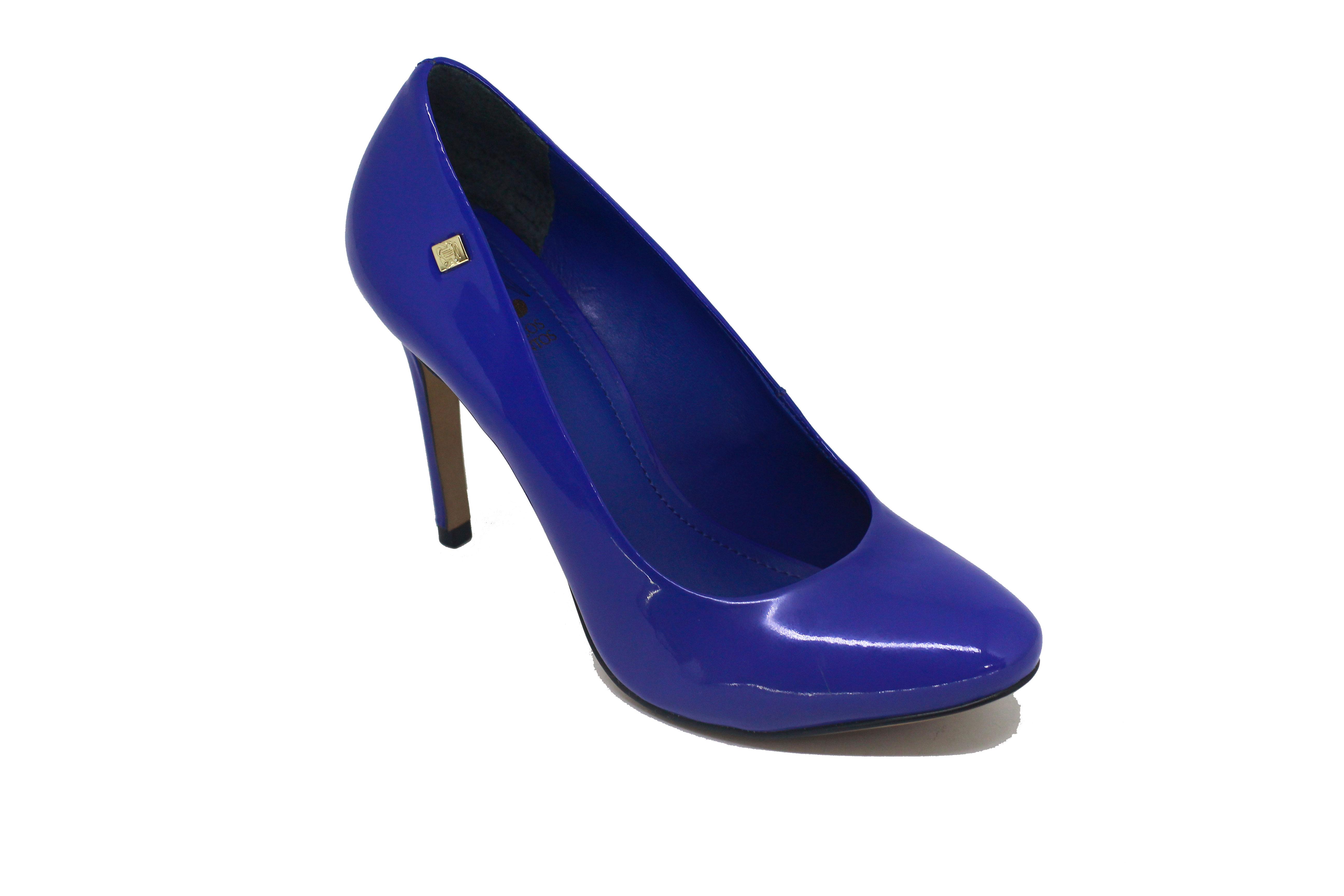 658a52c1a3 Sapato Scarpin Loucos e Santos Bico Redondo Azul ...
