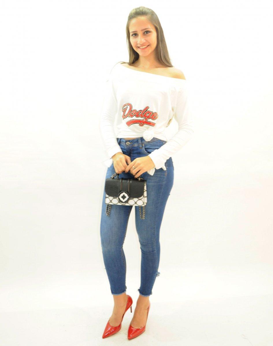 ca5f11024 Calça Jeans Feminina Skinny com Barra Diferenciada