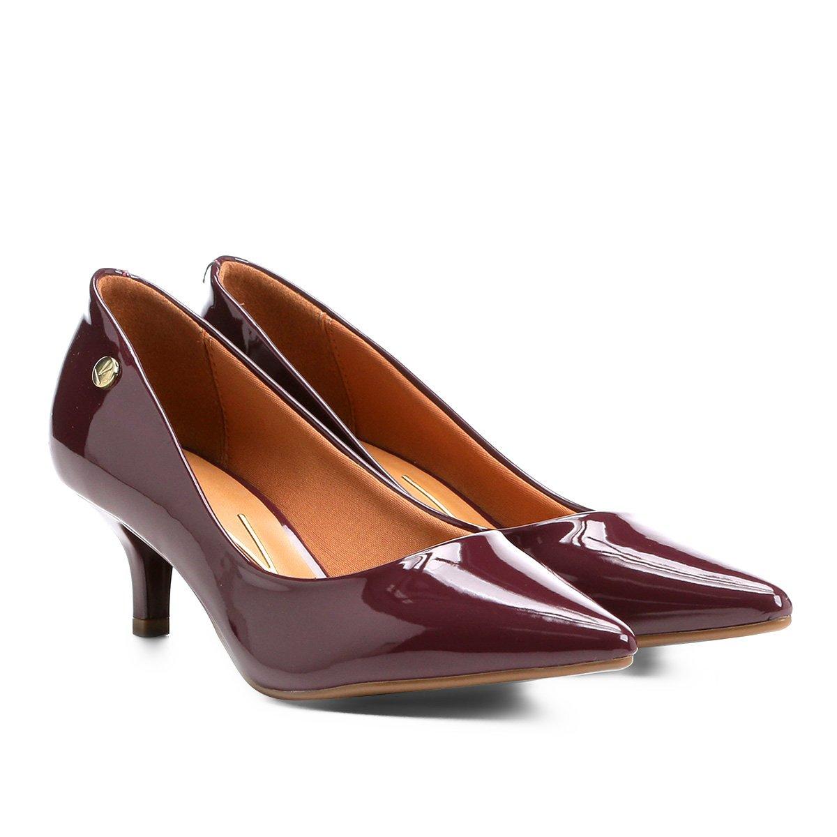 6720bd70b9 Sapato Scarpin Salto Baixo Bico Fino Verniz Vizzano