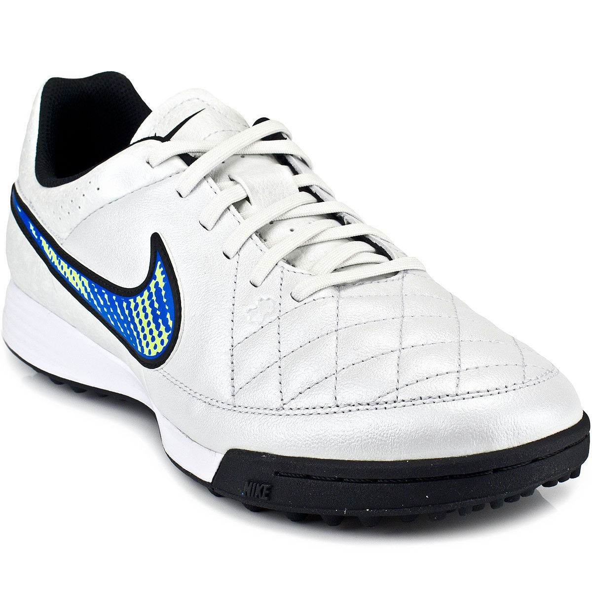 Chuteira Nike Tiempo Genio Leather TF 631284 3fea67ca35918