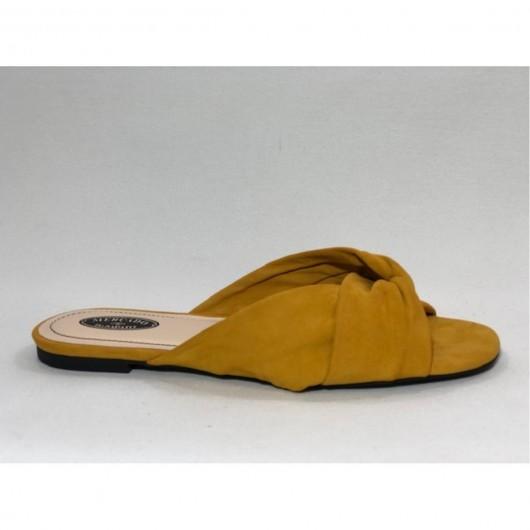 Rasteira Nobuck no Amarelo
