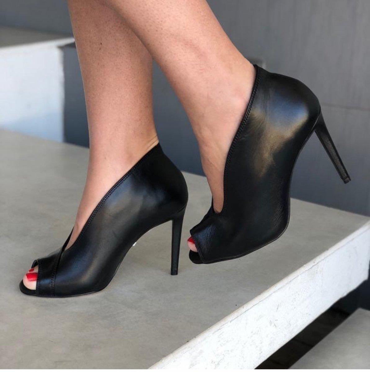 ea534673d8 ANKLE BOOT LISA COURO 1039-1009 - PRETO - Mercado do Sapato