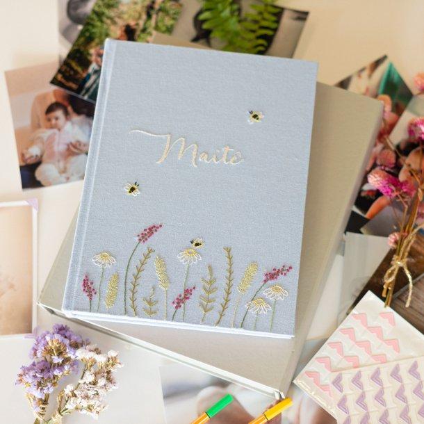 álbum de fotos meus primeiros cinco aninhos personalizado - bordado à mão - mim papelaria