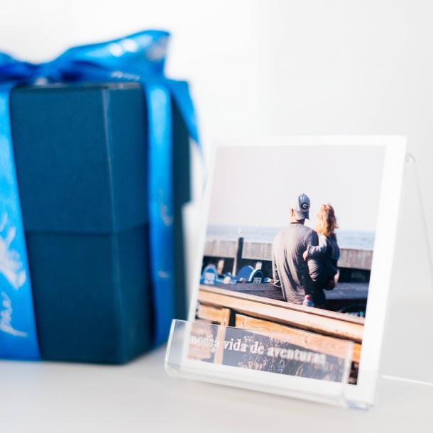 kit caixa de presente com suporte acrílico - coleção dia dos pais + fotos 10x10 - mim papelaria