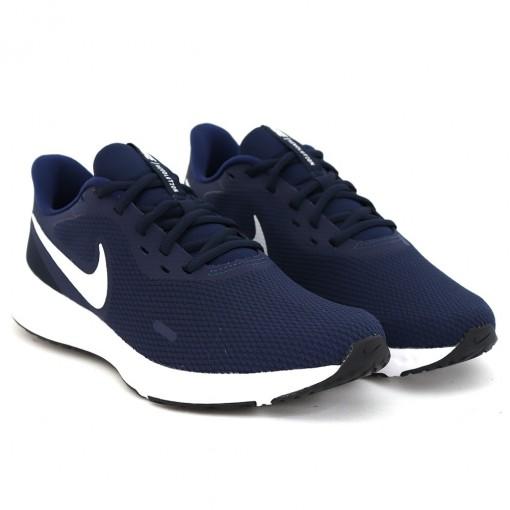 Tenis Nike Revolution 5